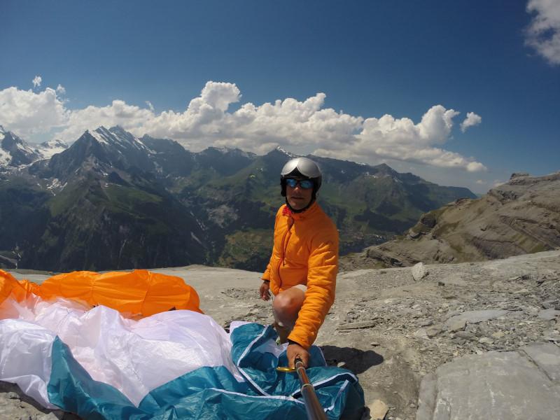 Atterrissage sur un plateau sous la Jungfrau.